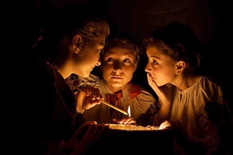Дівчата можуть дізнатися, коли вийдуть заміж. 5 давніх обрядів ворожіння на Катерини