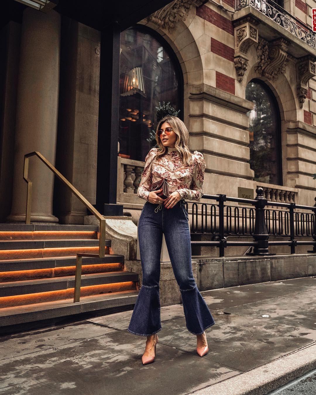 Джинси-кльош - на піку популярності у 2019-ому. Візьміть на замітку - такі  брюки повинні ідеально сидіти на талії та сідницях. Щодо довжини джинси-кльош  ... 4e5dd6ee12d7a
