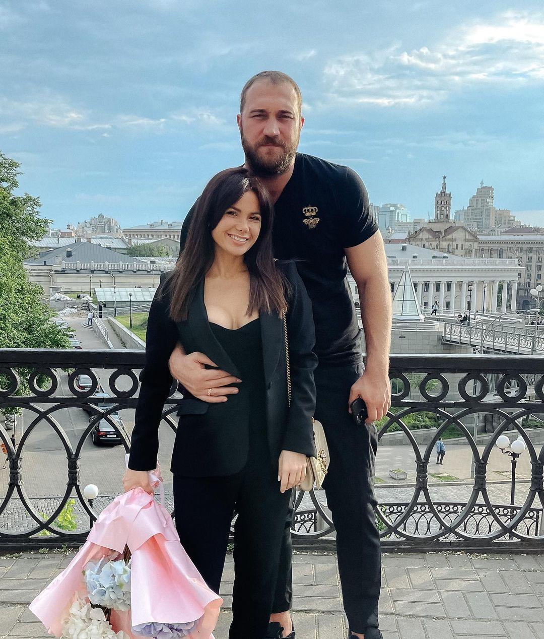 Руслан Ханумак со своей женой на отдыхе