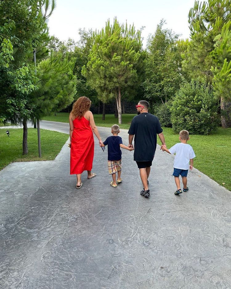 монатик семья фото