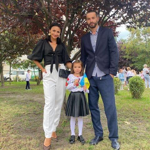 Ілона Гвоздьова з донькою на перше вересня
