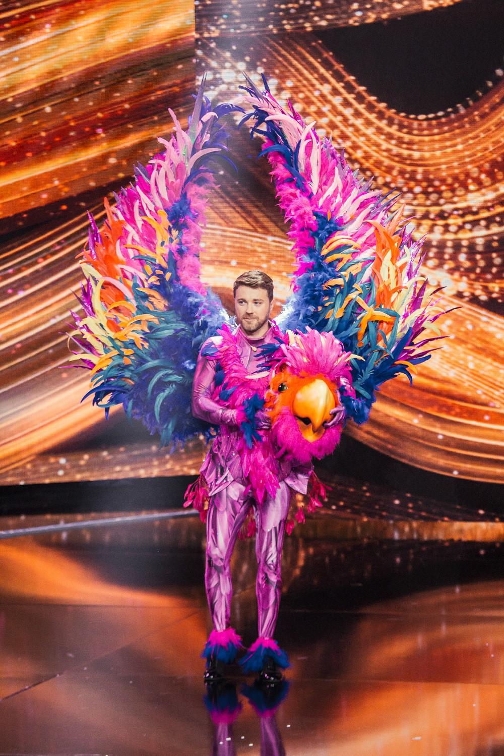 Олександр Попов в образі Папуги