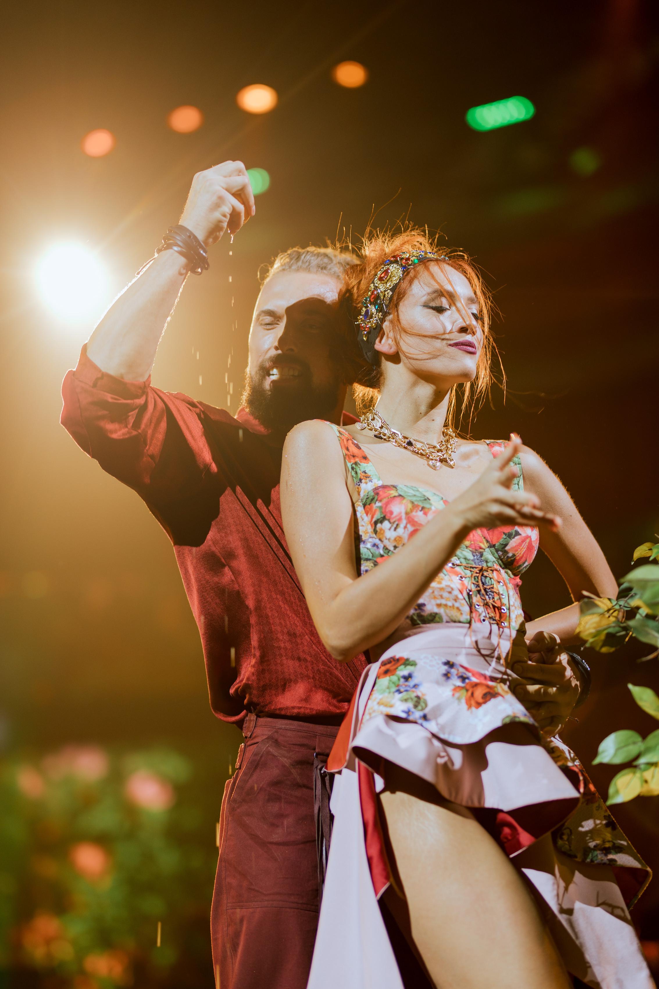 Суровцев Танці