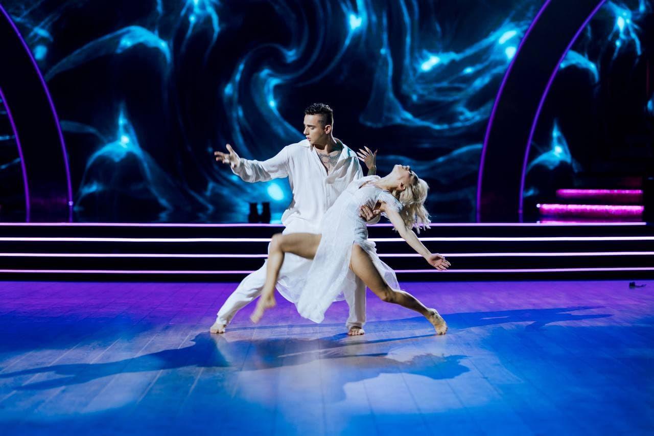 Меловін танці з зірками