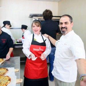 """Арам Мнацаканов навчив готувати """"пекельні"""" хачапурі (ВІДЕО)"""