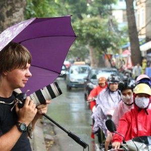 Відео-інтерв'ю з ведучим Світу навиворіт Дмитром Комаровим