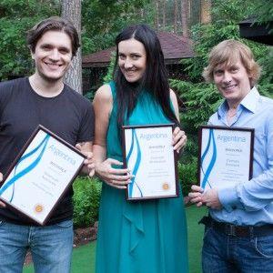 Одразу троє ведучих 1+1 отримали нагороду від посла Аргентини