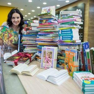 Соломія Вітвіцька продовжує збір книжок для дітей самотніх татусів