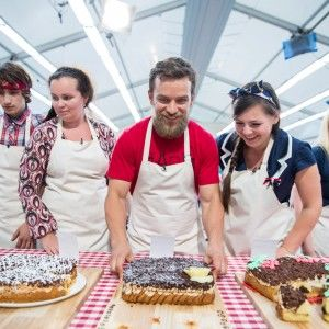 """Дивіться онлайн 3 серію """"Великого пекарського турніру"""""""
