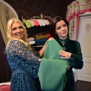 Зірки 1+1 у дизайнерському одязі готуються до дефіле на Українському тижні моди