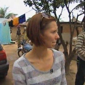 """Героїню """"Міняю жінку"""" в Нігерії охороняли зі зброєю"""