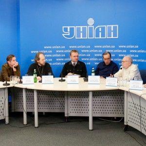 """ТСН та УНІАН провели круглий стіл """"План дій для країни"""""""