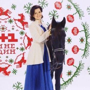 На каналі 1+1 з'явились заставки з новорічними історіями ведучих (ВІДЕО)