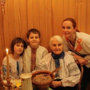 """Дотепна Юлія Бориско розказала, як готує кутю з """"м'ячиками""""."""