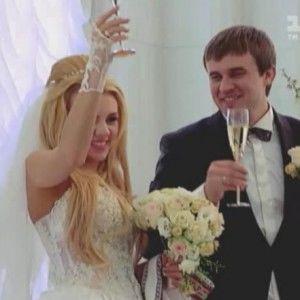 """Улюблене реаліті """"4 весілля"""" повертається на 1+1"""