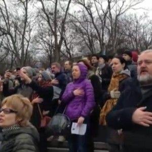 Близько трьох тисяч одеситів заспівали на Потьомкінських сходах гімн України (ВІДЕО)