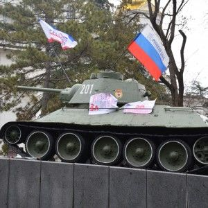 Журналісти 1+1 пробилися до українських військових у Криму
