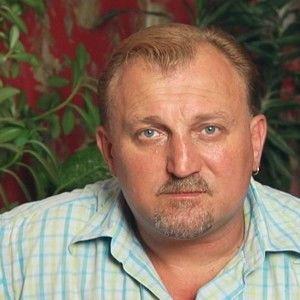 Вірастюк поміняє дружину-українку на росіянку з Криму