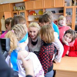Анна Ходоровська провела урок музики для дітей зі школи-інтернату