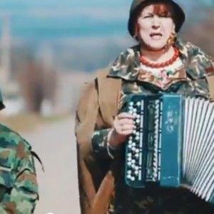 """Бабусі з """"Лісапетного батальйону"""" зняли патріотичне відео"""