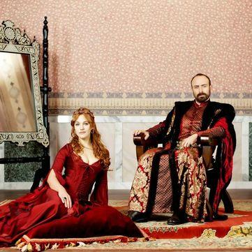Що символізують сукні героїнь серіалу Величне століття. Роксолана