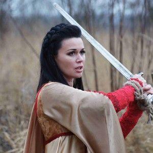 """Анастасія Заворотнюк без гриму і з мечем у новому серіалі на """"1+1""""!"""