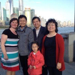 """На проекті """"Міняю жінку"""" доярка з Ковтунівки наведе лад у шанхайській родині"""