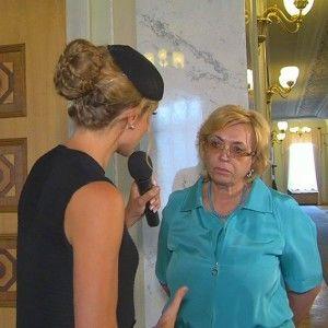 Катя Осадча з'ясовує, хто з депутатів відправить своїх синів на війну