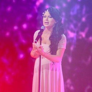 """Учасниця """"Голосу країни"""" Юліана Лавріна заспівала в ефірі """"Хоробрих сердець"""""""