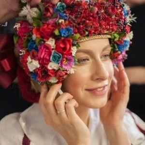 Ольга Фреймут і Олена Кравець приміряли унікальні українські костюми