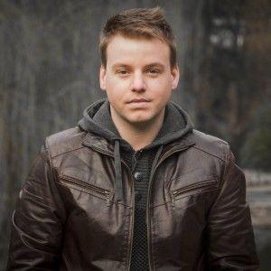 "Учасник ""Голосу країни"" Михайло Мирка присвятив пісню загиблим героям"