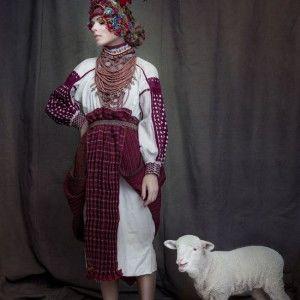Ольга Фреймут приміряла унікальний український костюм (ФОТО)
