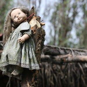 Дмитро Комаров провів моторошний день в оточенні ляльок-зомбі (ФОТО)