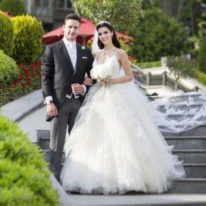 У мережі з'явилися весільні фото Діли