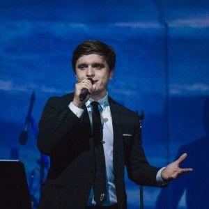 Анатолій Анатоліч на своєму концерті розчулив слухачів до сліз