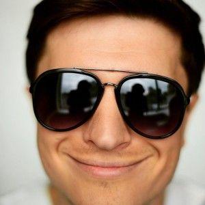 Сніданок з 1+1: Як дібрати сонцезахисні окуляри до різної форми обличчя
