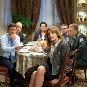 """Як Зеленський лякається на зйомках """"Слуги народу"""" і заважає працювати Олені Кравець"""