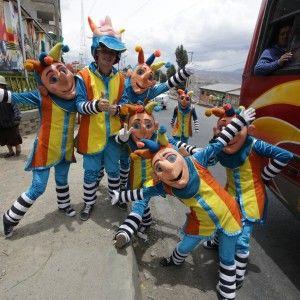 Даішників на вулицях Болівії замінили клоуни (ВІДЕО)