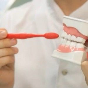"""""""Життя без обману"""": Як обрати безпечну зубну щітку"""