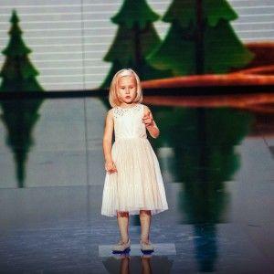 5-річна дівчинка без комплексів змусила суддів ніяковіти