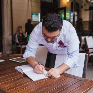 """Сніданок з """"1+1"""": Що про людину може розповісти підпис (ВІДЕО)"""