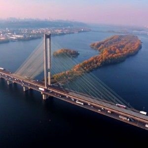 """""""Моя країна. Прекрасна і незалежна"""": Київські мости з висоти пташиного польоту (ВІДЕО)"""