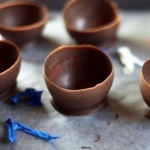 Сніданок 1+1: Як зробити форму для десертів із шоколаду за 10 хв