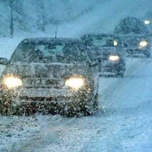 Рух на дорозі взимку: Правила безпеки для пішоходів та водіїв (ВІДЕО)