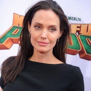 Схудла Анджеліна Джолі вразила шанувальників на прем'єрі нового фільму (ВІДЕО)