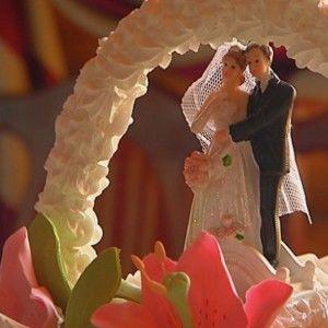 "4 весілля: Наречена вразила команду сукнею ""3D"""