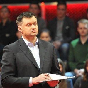 """Сьогодні до студії ток-шоу """"Право на владу"""" завітає Володимир Гройсман"""