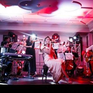 Тіна Кароль вразила розкішним образом під час нового концертного проекту Голос (ФОТО)