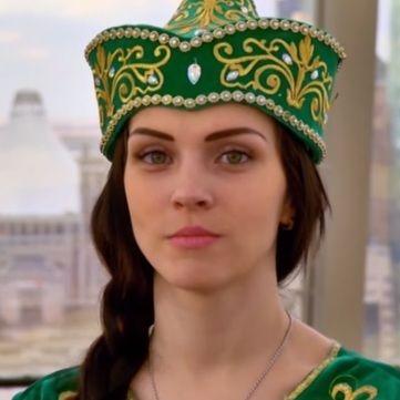 Міняю жінку: Українка стала прислугою казахської поп-зірки