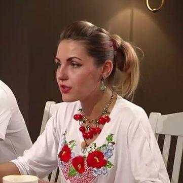 Міняю жінку: Українка одягла російського чоловіка у вишиванку